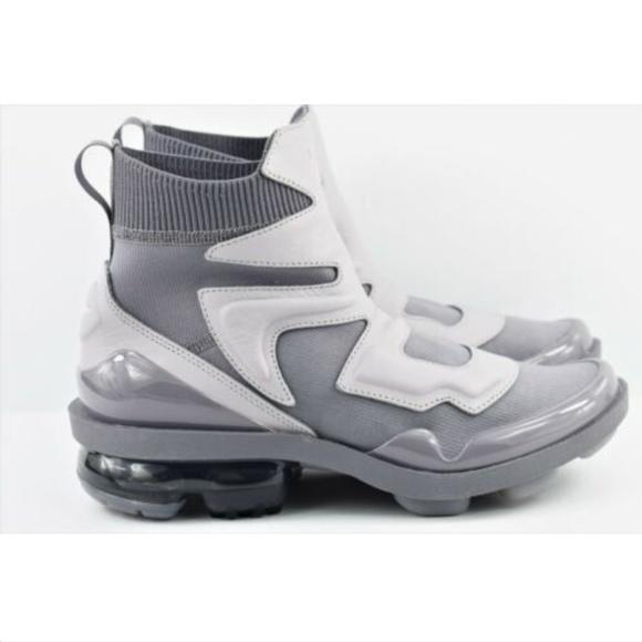 90ba312543 Nike Shoes   Womens Vapormax Light Ii Ao4537   Poshmark